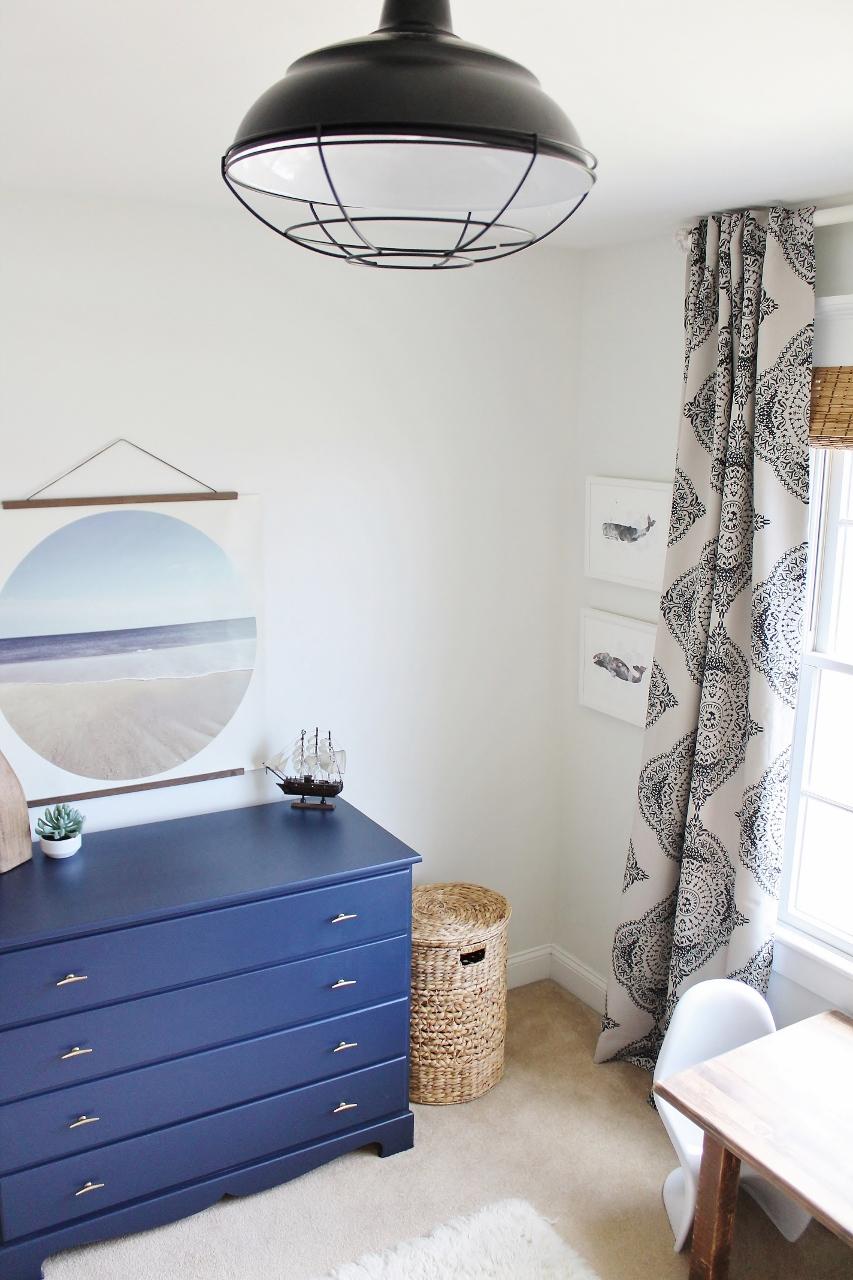 Dormitorio juvenil con decoración costera
