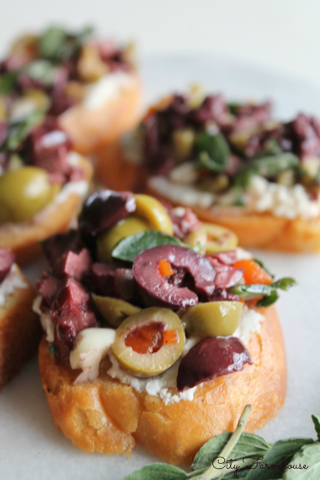 Herbed Olive Tapenade With Goat Cheese Bruschetta ...