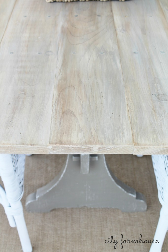 CF Diy Farmhouse Table close shot