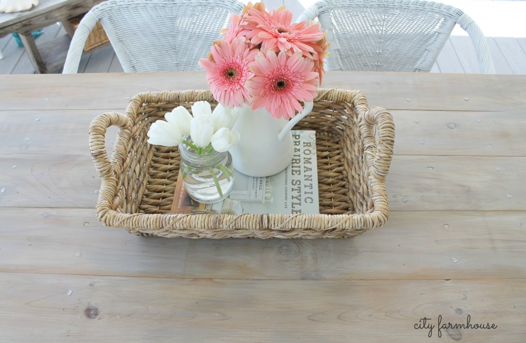 CF pretty flowers on DIY table