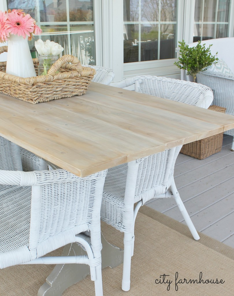 City Farmhouse The EASIEST Rustic DIY Farmhouse Table