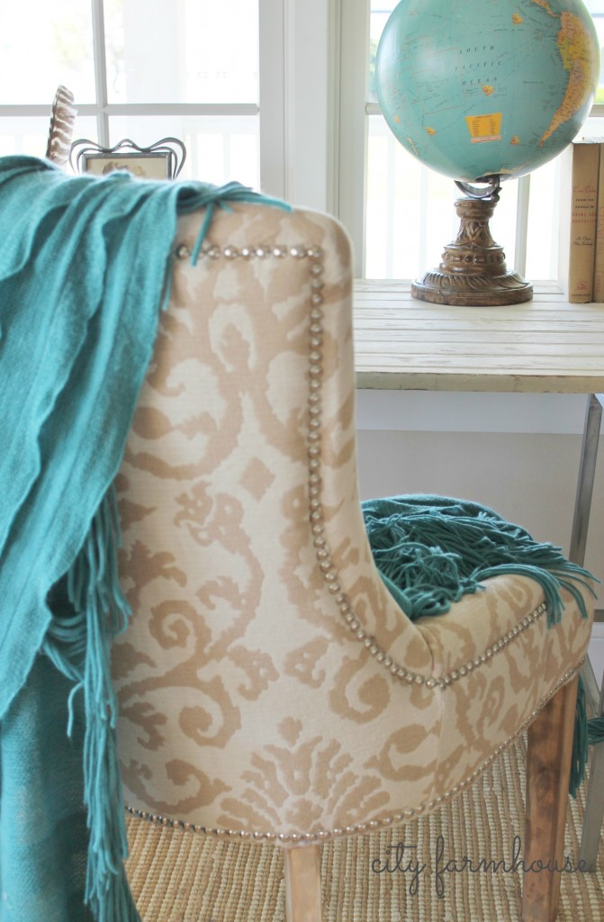 Easy makeover for your dark legged chairs-take them from tradional to rustic glam