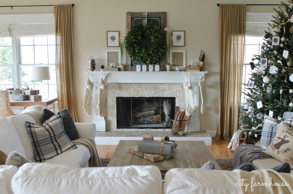 City Farmhouse Family Room Holiday Housewalk 2013
