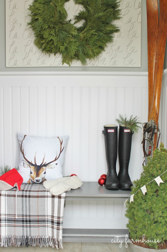 City Farmhouse (Farmhouse Christmas)  Mudroom Tour