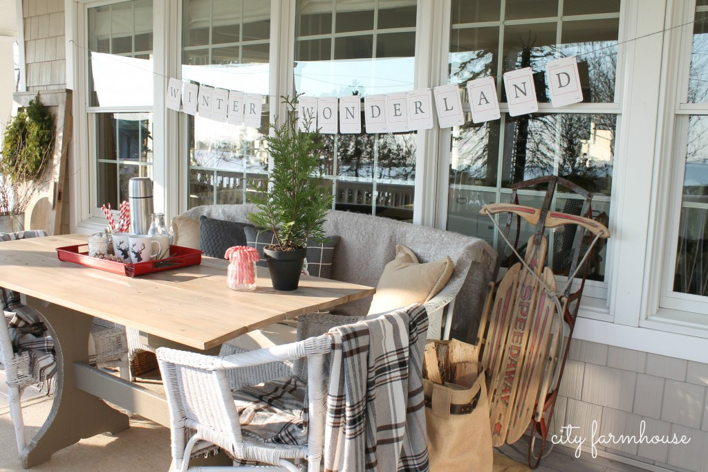 City Farmhouse Holiday Porch & Banner
