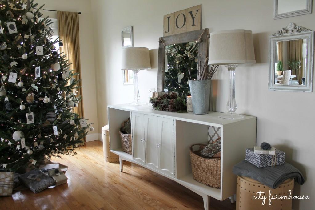 City Farmhouse-Joy Vignette Holiday 2013