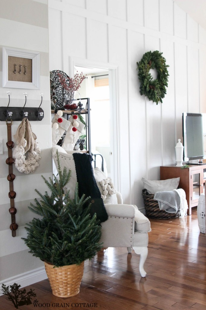 Christmas Home Tour 2013 by The Wood Grain Cottage