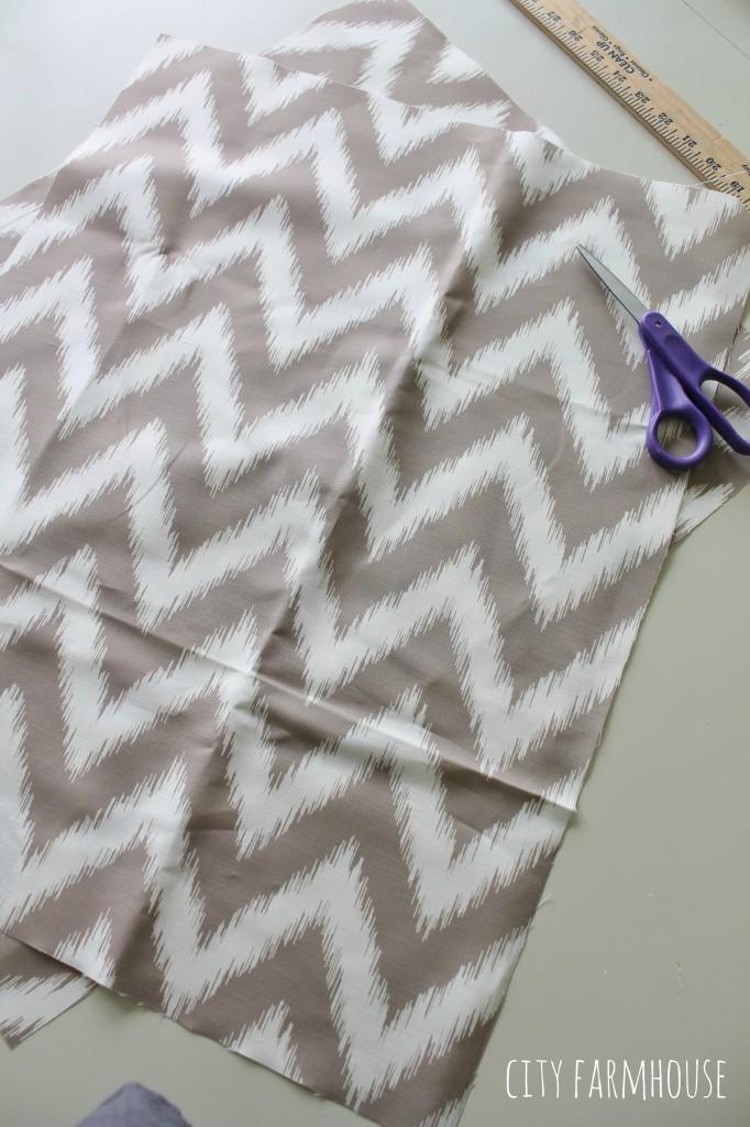 Dekorationly.com My Little Nook krijgt een make-over met behulp van mijn favoriete Spoonflower-stof spoonflower little krijgt favoriete behulp