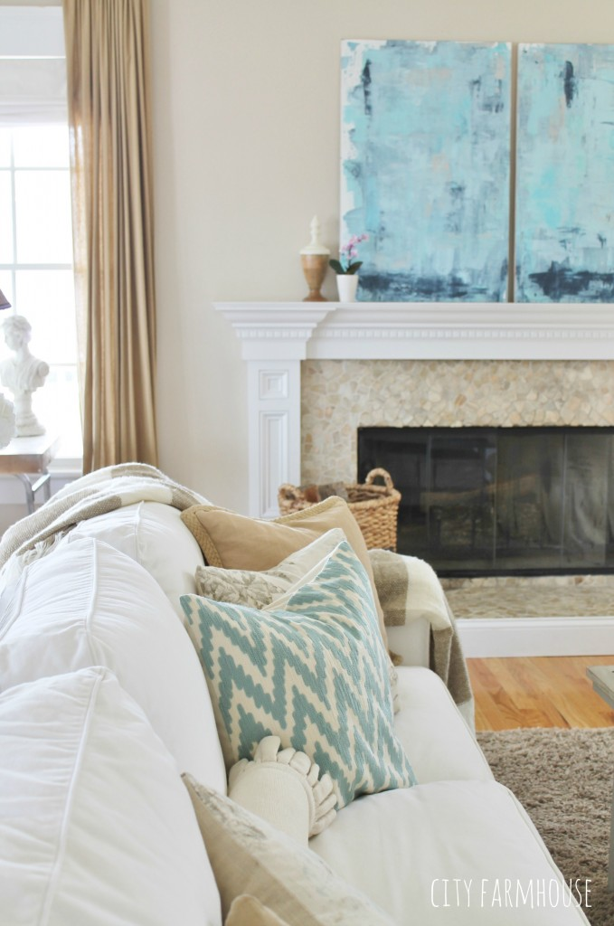 DIY Abstract Art With Crisp Whites & Lots of Neutrals- City Farmhouse