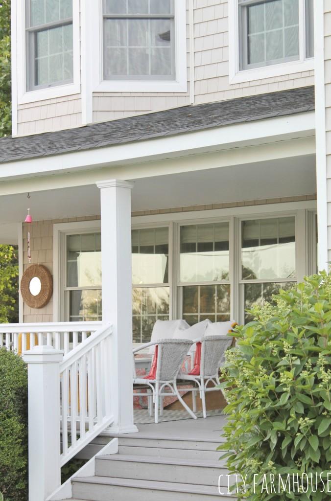 Summer Front Porch Tour-Bright Coastal Touches {Corals & Blues}