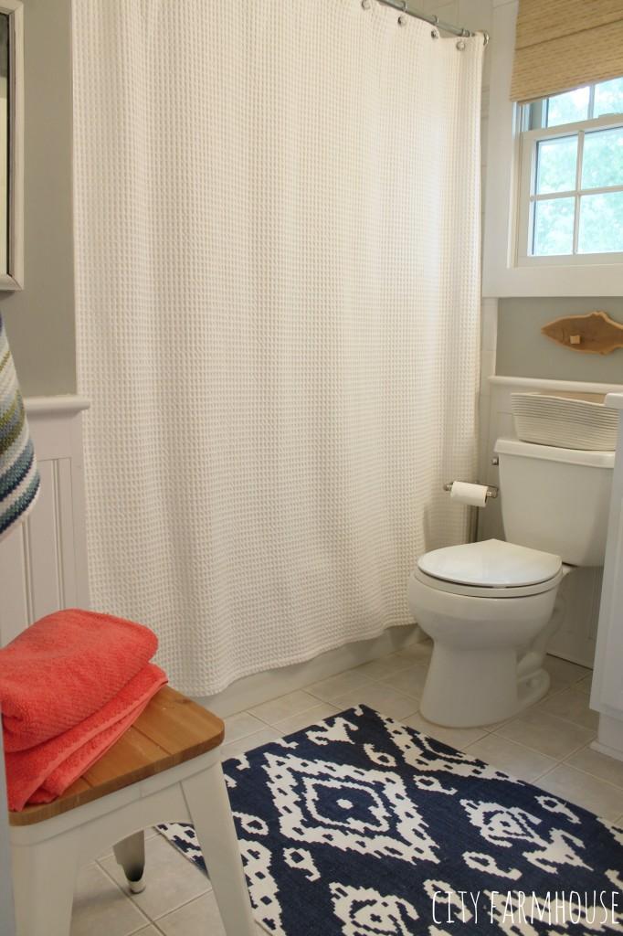 Preppy Coastal Bathroom Makeover-Walls Valspar Rope- Coral & Navy