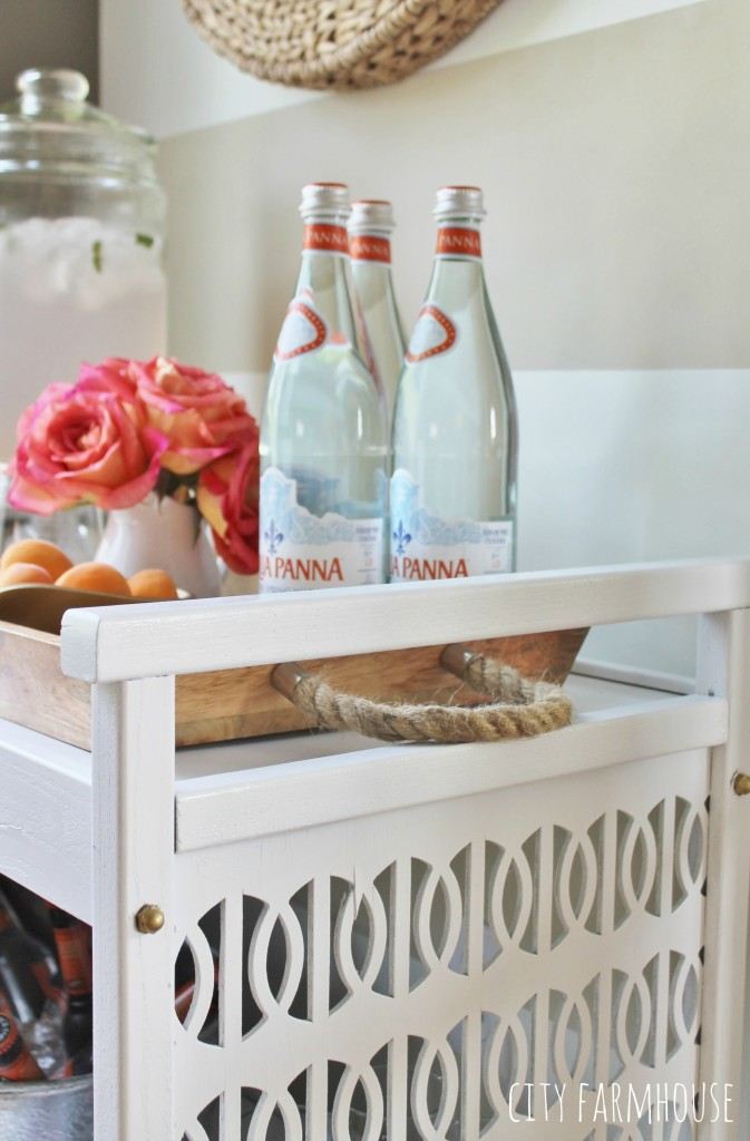 Vintage TV Cart Makeover Into A Bar-love the sides