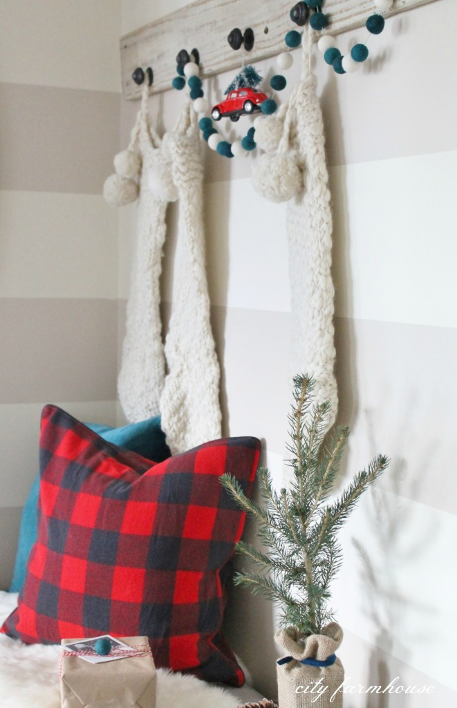 Christmas Printable & Vignette City Farmhouse