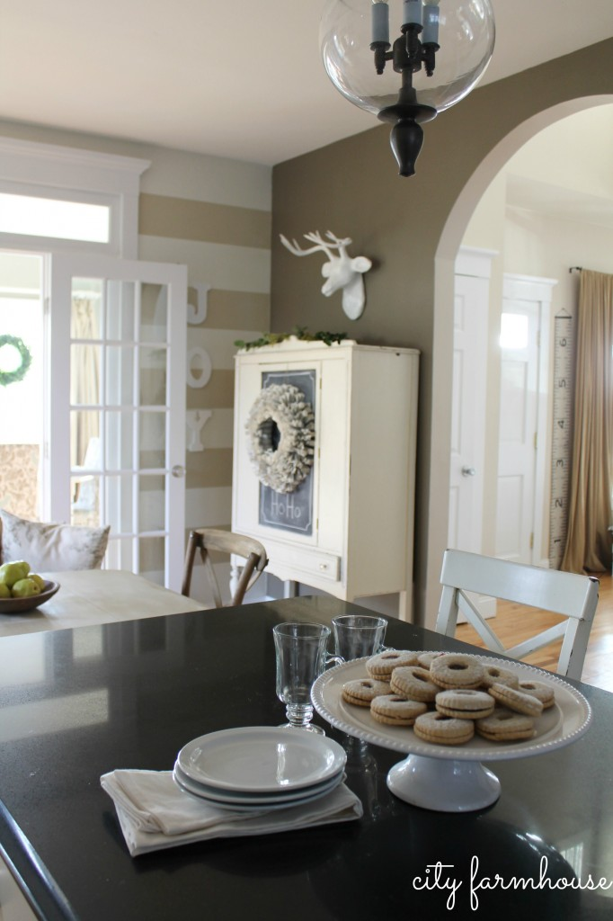 City-Farmhouse-Holiday-Kitchen-2013-Details-