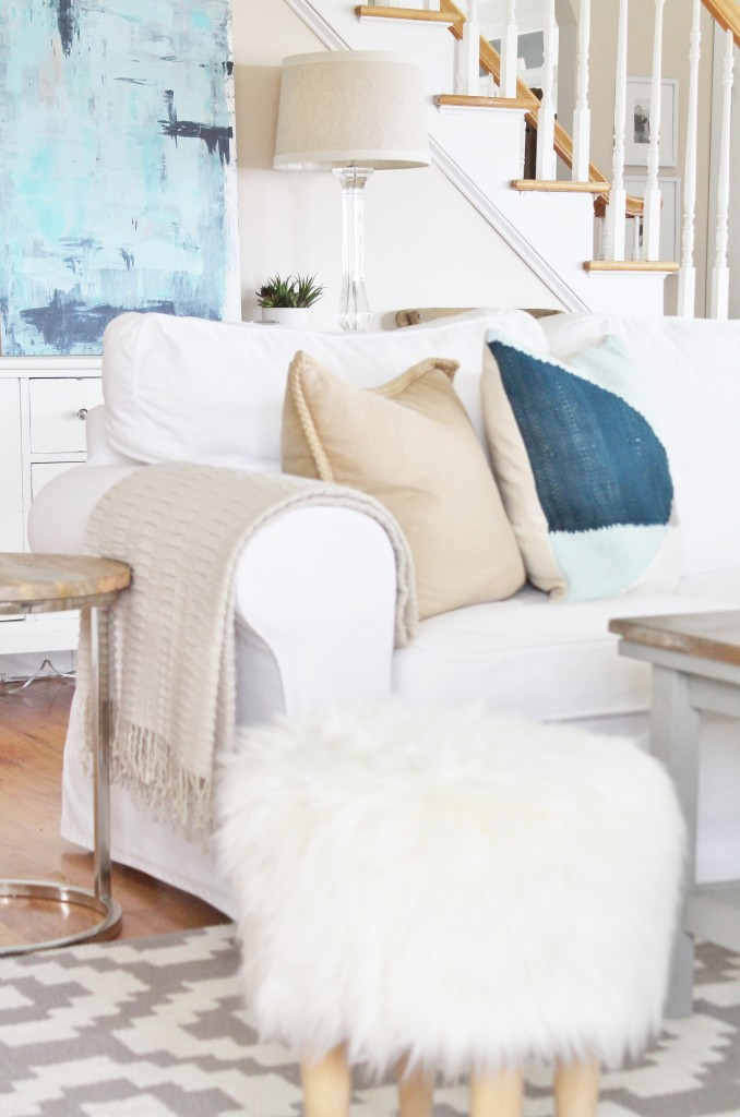 Dekorationly.com Coastal Farmhouse-krijg de look met kussens kussens krijg farmhouse coastal