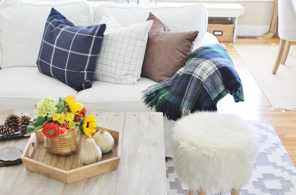 DIY Sharpie Grid Pillow for Under $5 & love of plaids