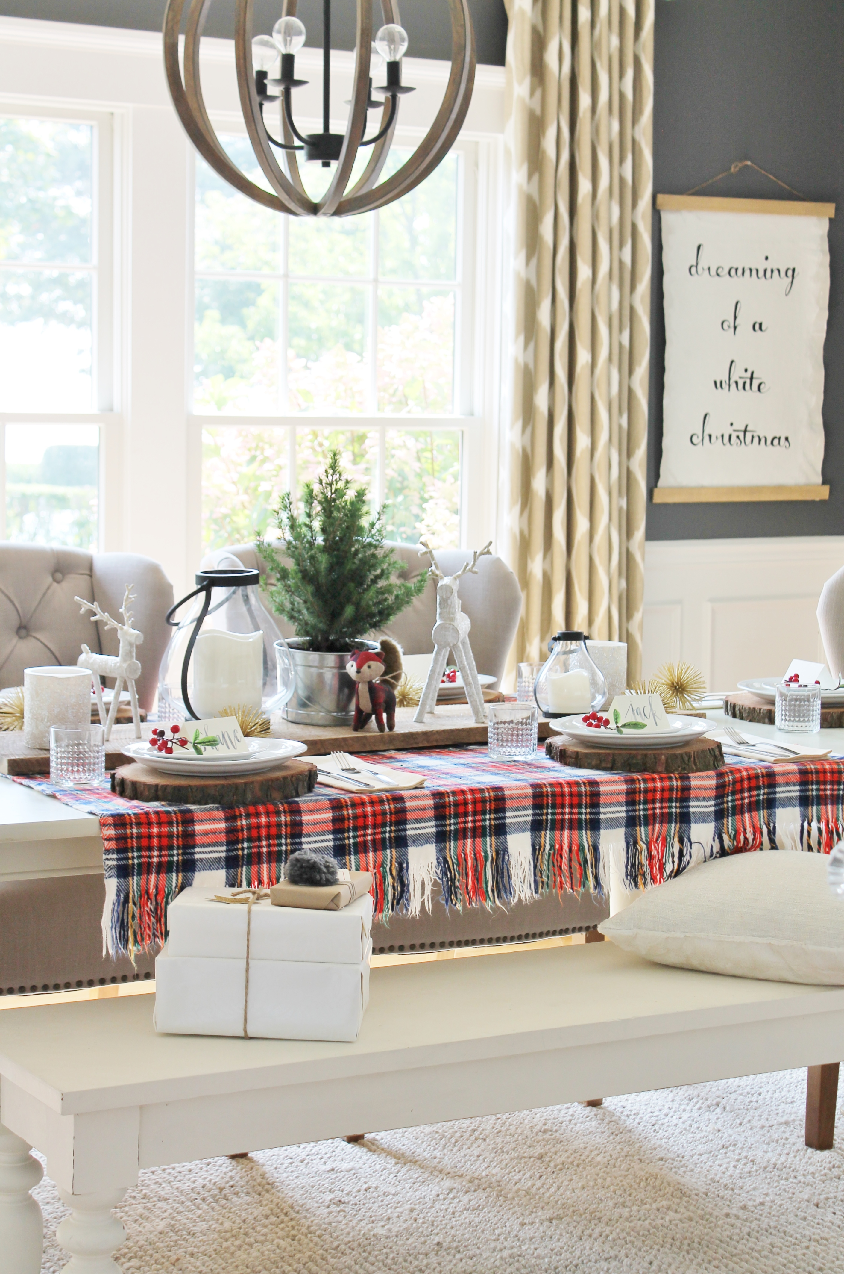 Holiday Dining Room With Lowe\'s - City Farmhouse