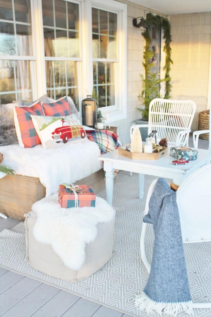 Christmas Farmhouse Front Porch
