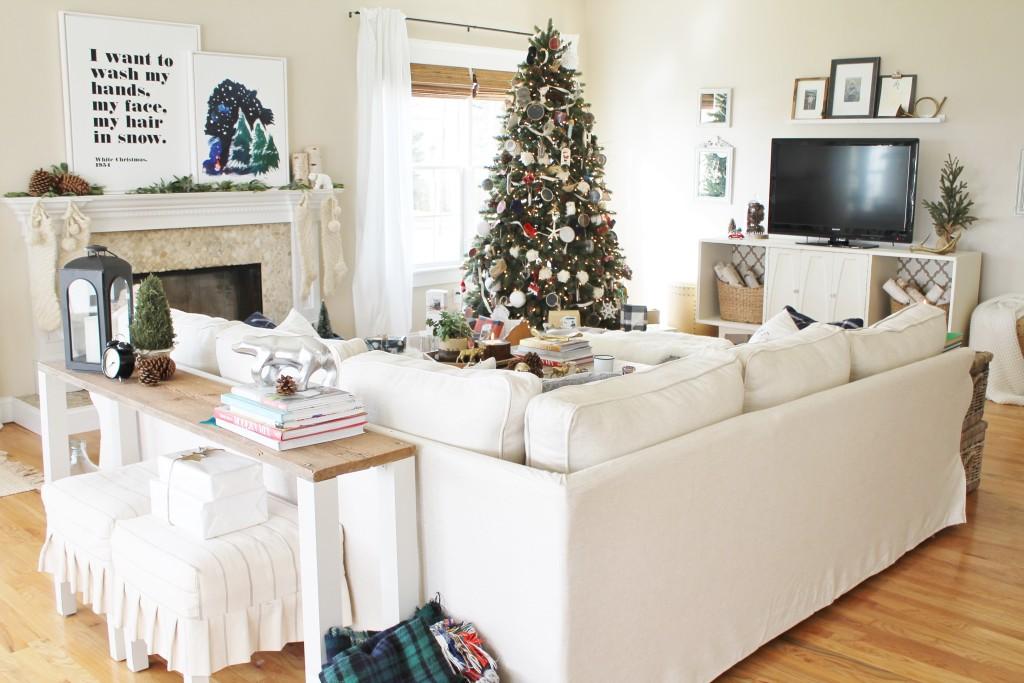 Holiday Houswalk-Christmas Family Room