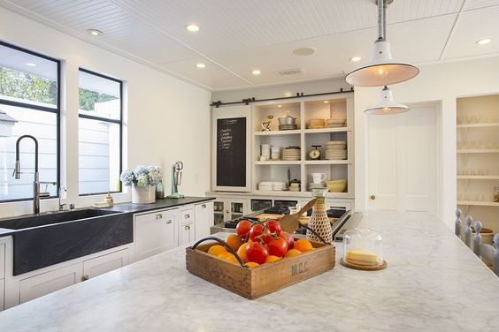 6 great alternatives to carrara marble city farmhouse for Zillow kitchens