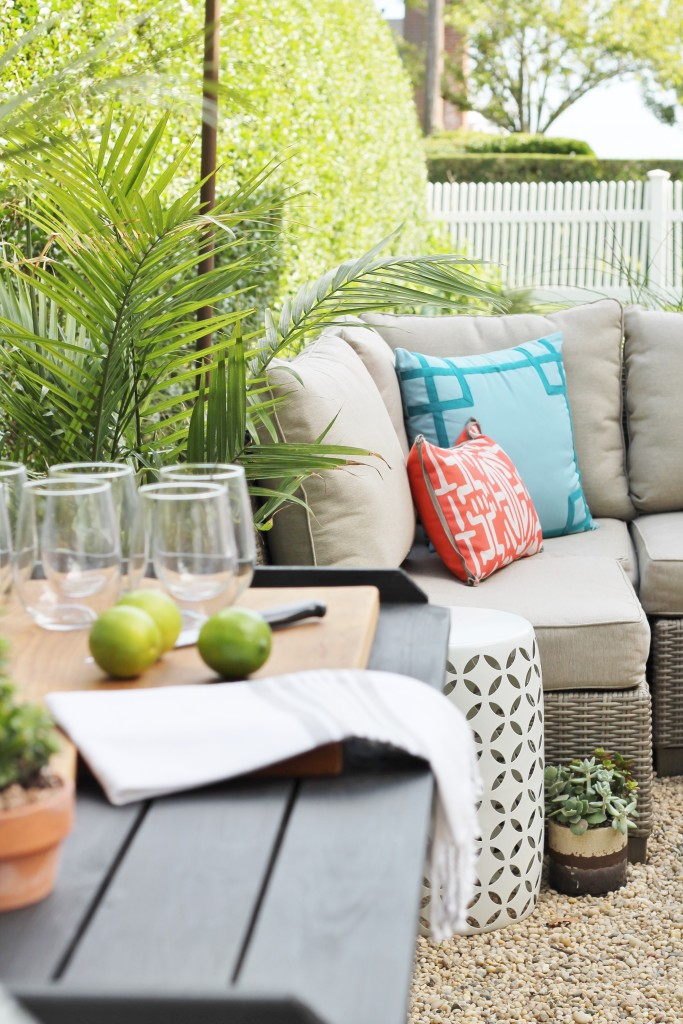 Hamptons Inspired Backyard Reveal-Creating a Functional Space for Outdoor Entertaining