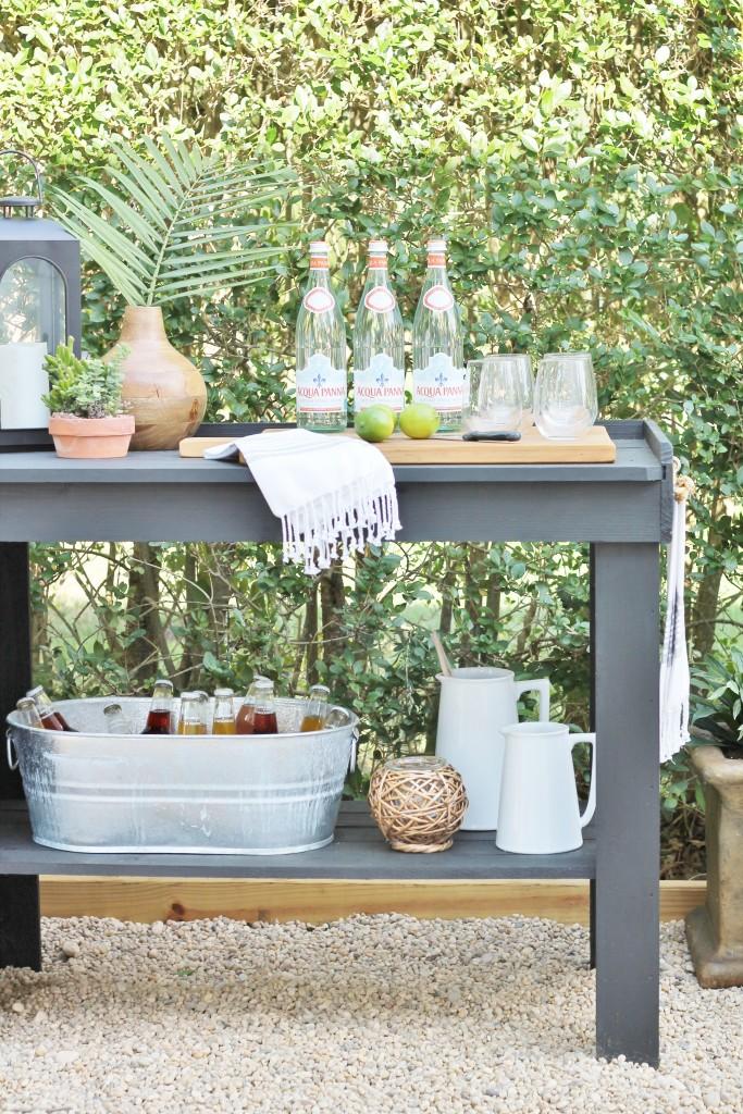 Hamptons Inspired Backyard Reveal-DIY Outdoor Beverage Station