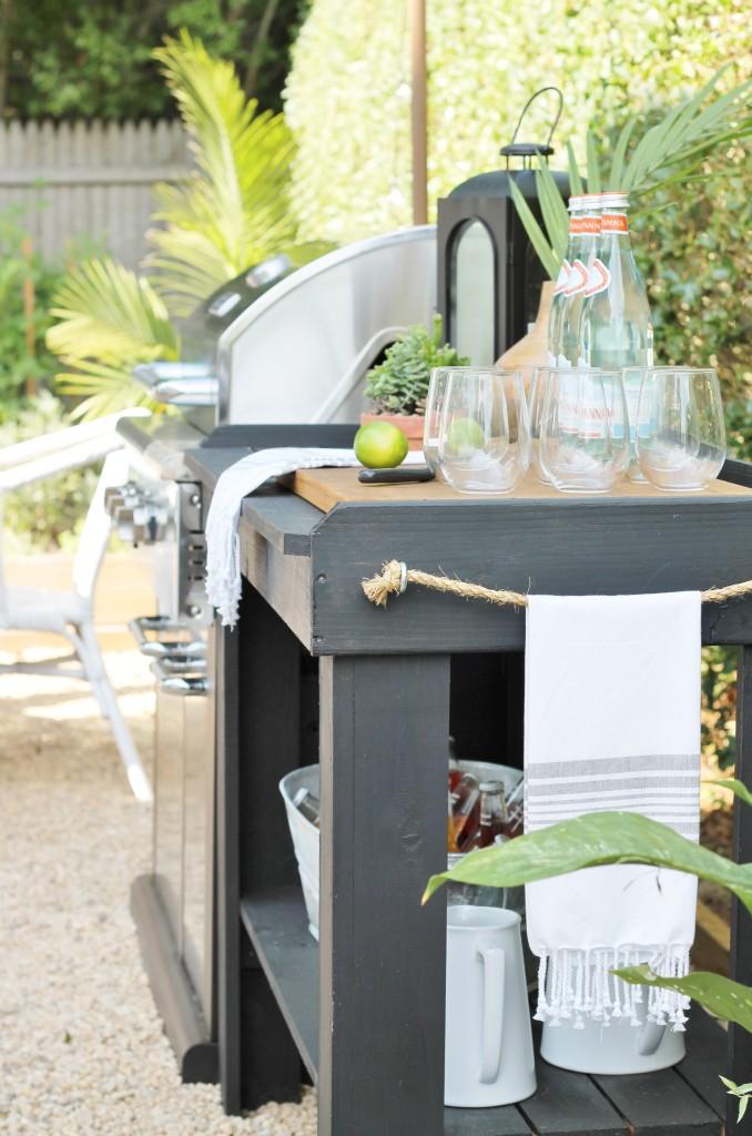 Hamptons Inspired Backyard Reveal-DIY Outdoor Kitchen