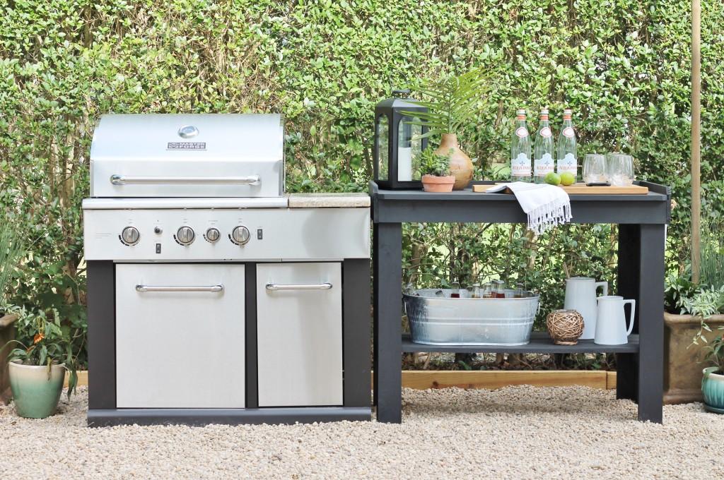 Hamptons Inspired Backyard Reveal-Outdoor Kitchen