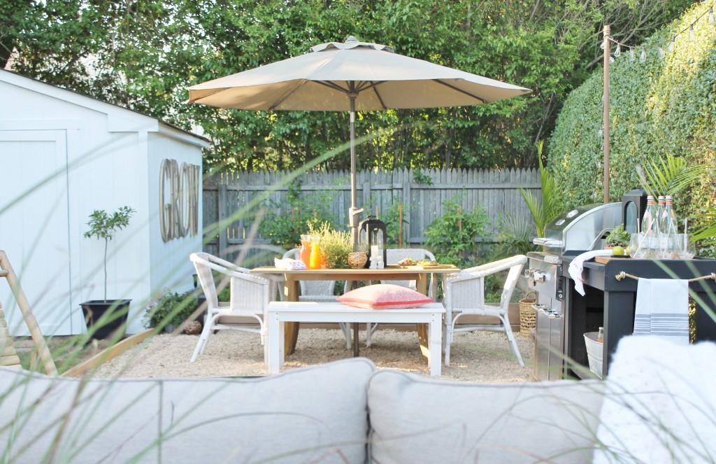 Hamptons Inspired Small Backyard-Dining Al Fresco