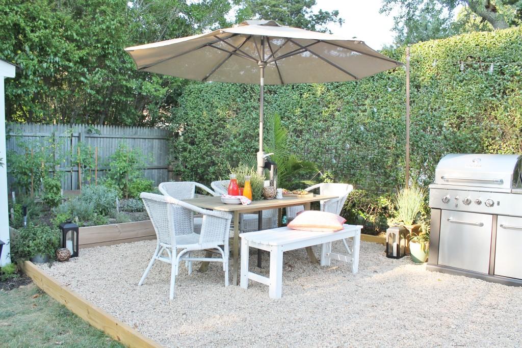 Hamptons Inspired Small Backyard-Outdoor Dining