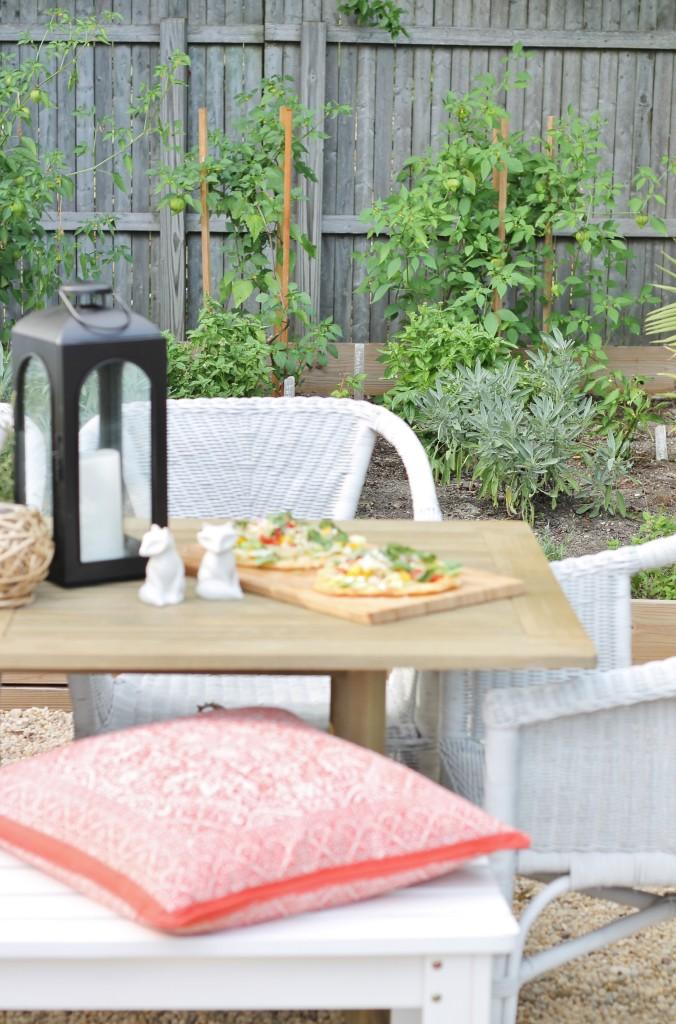 Herb Garden + Outdoor Dining=Hamptons Outdoor Styling
