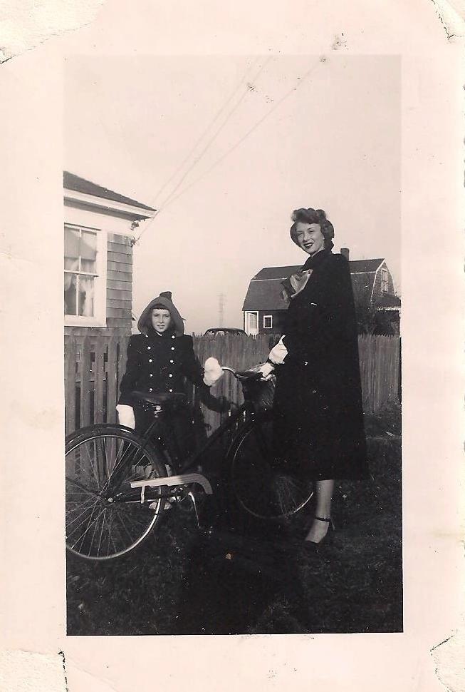 Mom & Nan Narraganset 1944