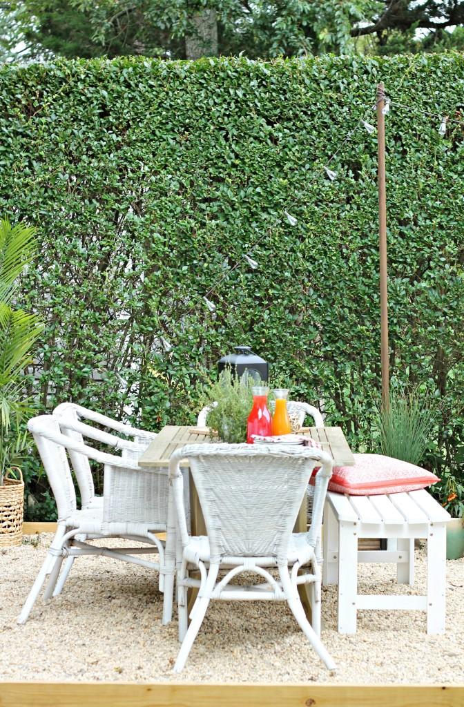 Outdoor Dining al Fresco-Hamptons Inspired Small Backyard