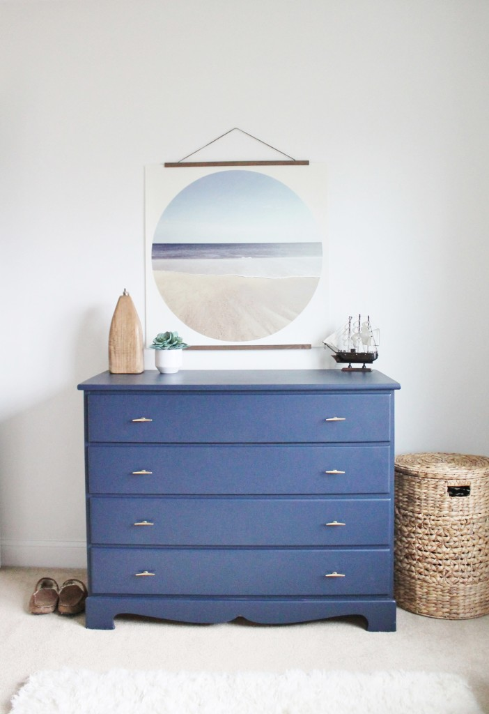 Dekorationly.com Marineblauwe dressoir-make-over voor minder dan $ 50 minder marineblauwe dressoir
