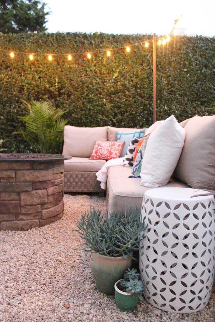 Create a diy pea gravel patio the easy way city farmhouse for Terrazas easy 2016