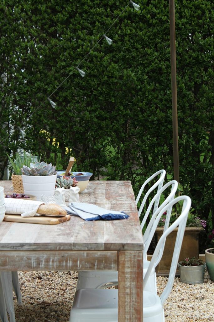 Outdoor Backyard Patio Challange -Farmhouse Tablescape