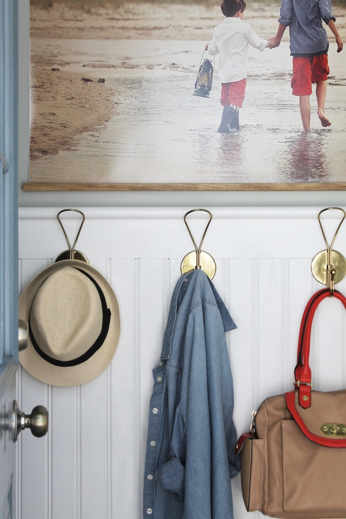 Easy DIY Frame With Large Photo-Summer Mudroom