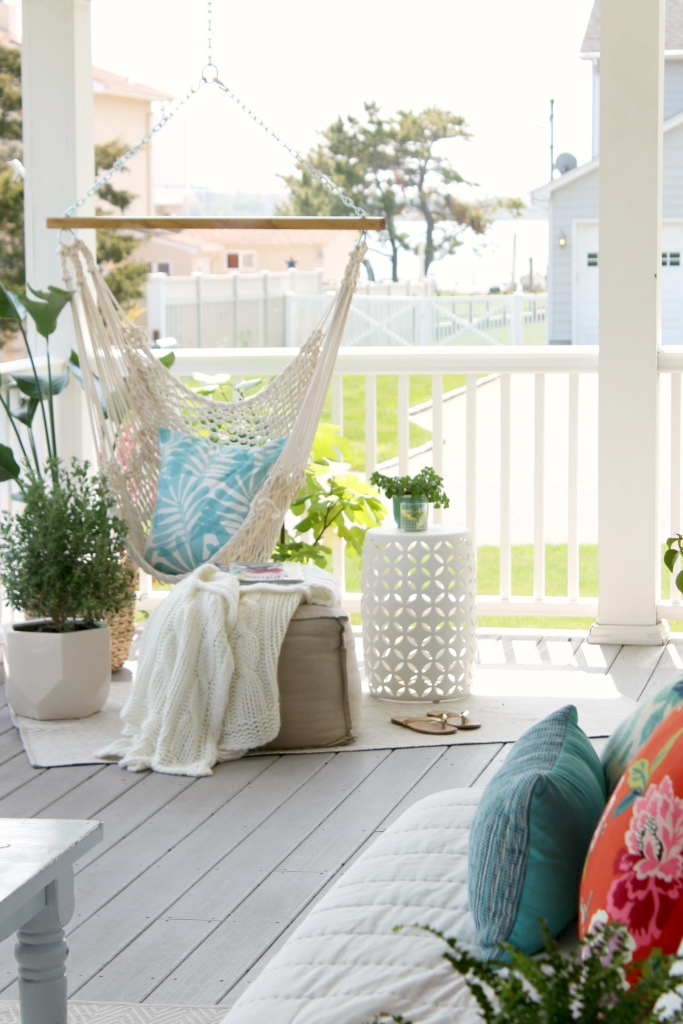 Genial Summer Front Porch With Hanging Hammock