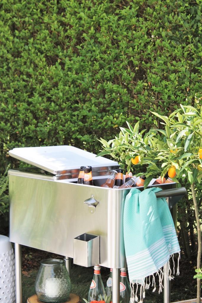 Backyard Summer Picnic Essentials