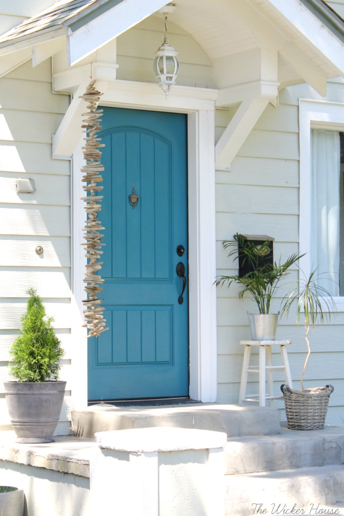 Teal Door - The Wicker House : farmhouse door - pezcame.com