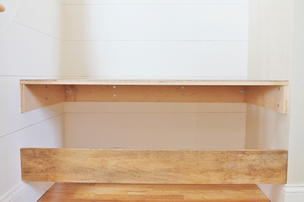 DIY Floating Bnech Under Stairs-How to Build This Simple Piece