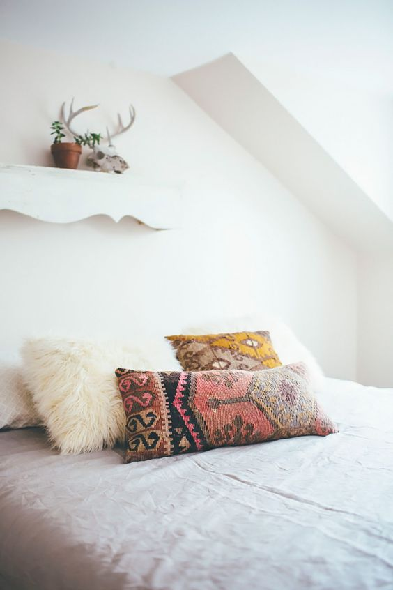 THoughts Of Alice-Boho Bedroom-Kilim PIllows