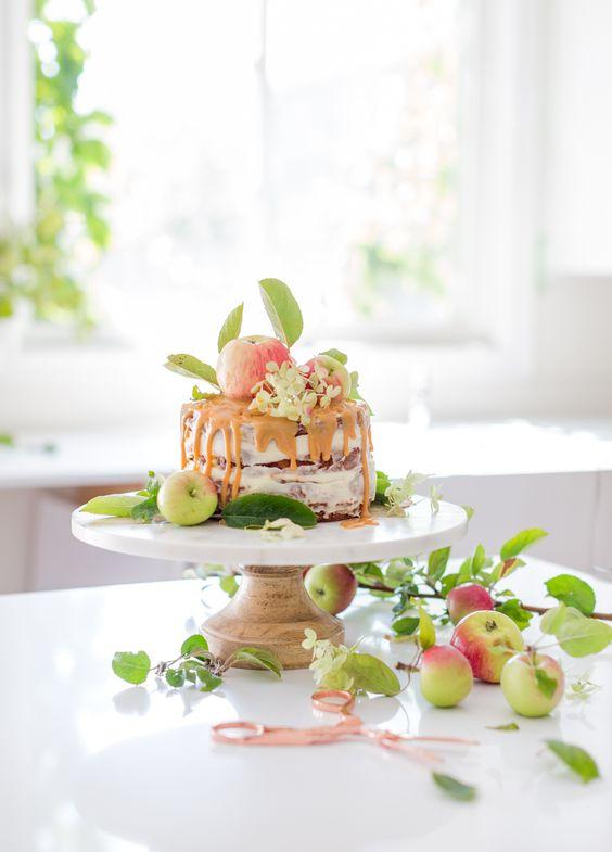 best-fall-presentation-craftberry-bush-rustic-caramel-apple-cake