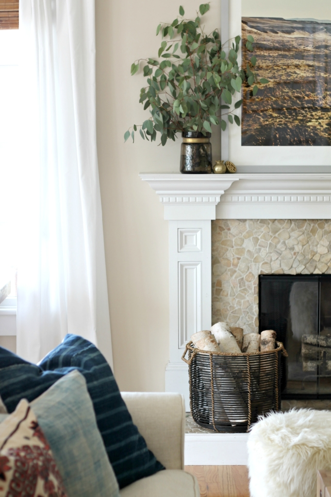 Modern Farmhouse Fall Family Room Tour-Simple Fall Mantle With Ecualytus