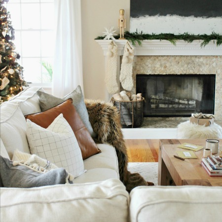 Cozy + Casual Modern Farmhouse Christmas Tour