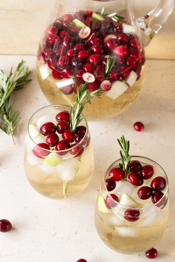 Best Holiday Recipes - Christmas Sangria - Cake n Knife