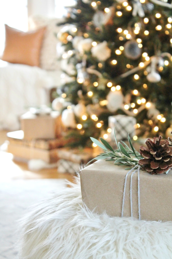 craft-paper-wrapping-with-yarn-rosemary