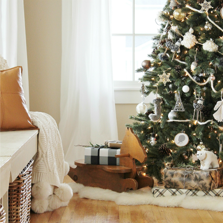 Cozy + Sentimental Christmas Tree