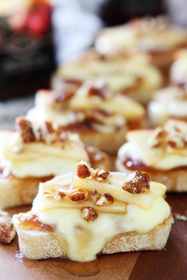 brie-apple-and-honey-crostini-5