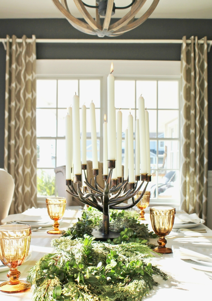 city-farmhouse-holiday-dining-room-with-birch-lane-5